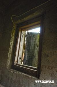 Fönster med lucka